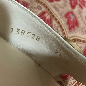 Gucci Shoes - GUCCI 100% auth. snakeskin Shoes!